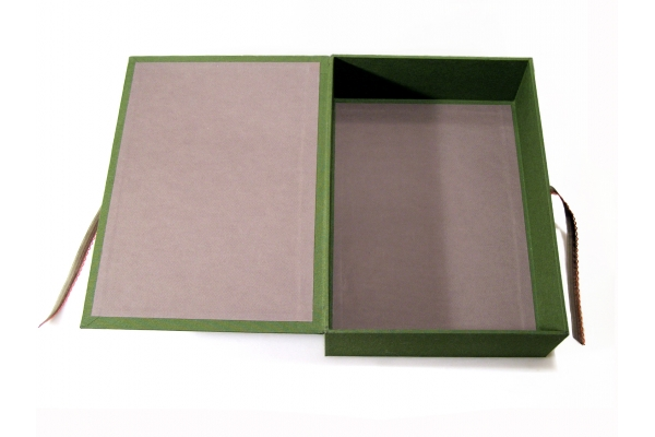 Capivara Box Open